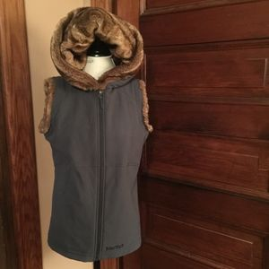 MARMOT Grey vest with Faux fur hood
